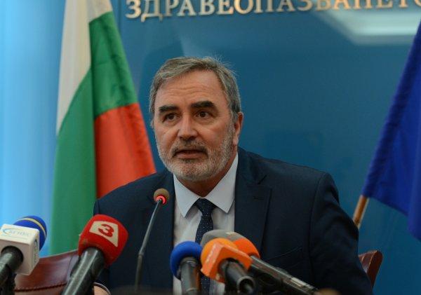 Пробите за коронавирус на четирима българи са положителни. Това потвърдиха тестове, направени в Националната референтна лаборатория, съобщава NOVA. Резултатът...