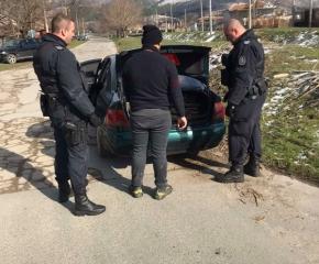 Четирима задържани за престъпления при операция по битовата престъпност в Твърдица