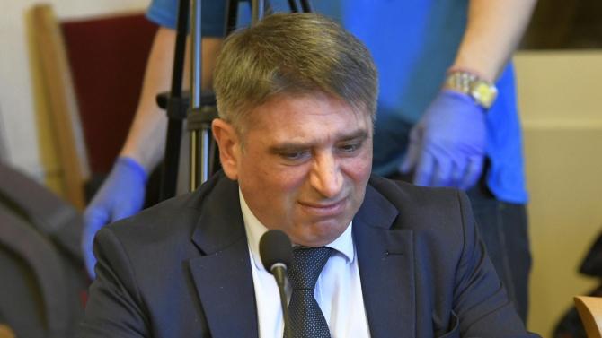 Данаил Кирилов подаде оставка като министър на правосъдието. Това е станало след разговор с министър-председателя Бойко Борисов, съобщи правителствената...