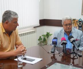 """Дариха 2000 тома на библиотеките в община """"Тунджа"""""""