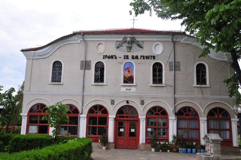 """Присъдата на обирджиите на ямболския православен храм """"Свети Георги"""" е отменена от 3-членен състав на Окръжния съд и делото е върнато отново на първа инстанция...."""