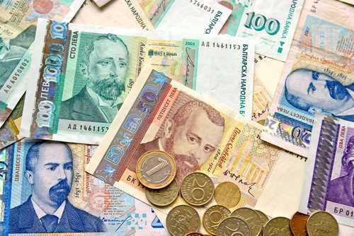 През 2020 г. в държавната хазна е планирано да постъпят рекордните 46,8 млрд. лв. приходи. Средно за един календарен ден българите ще изработват по 346...