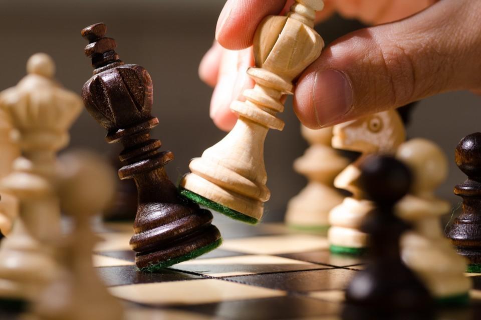 """Над 50 деца шахматисти и ръководителите на клуба по шах """"Асеневци"""" тази вечер ще излязат на протест пред Община Велико Търново. Причината е, че шеста..."""