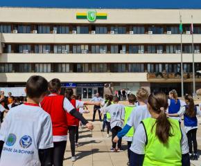 Детска атлетика в центъра на Ямбол (СНИМКИ+ВИДЕО)