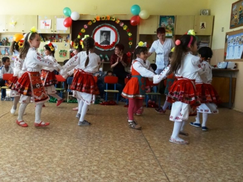 Няма промени за статута на досегашните защитени училища и детски градини за общините Болярово, Стралджа, Тунджа, Елхово и Сливен Детската градина в село...