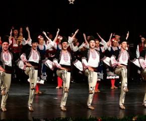 Детските градини в Сливен поздравиха жителите на града с традиционен коледен концерт