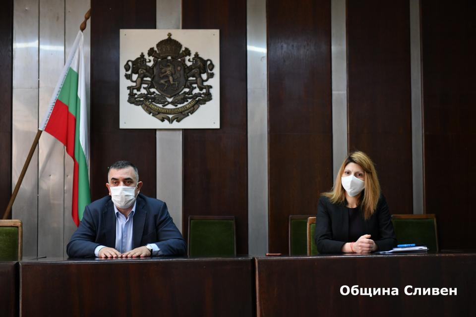 Детските градини и яслите в Сливен ще заработят от 29 май, стана ясно по време на среща на кмета Стефан Радев с директорите на детските заведения. Дотогава...