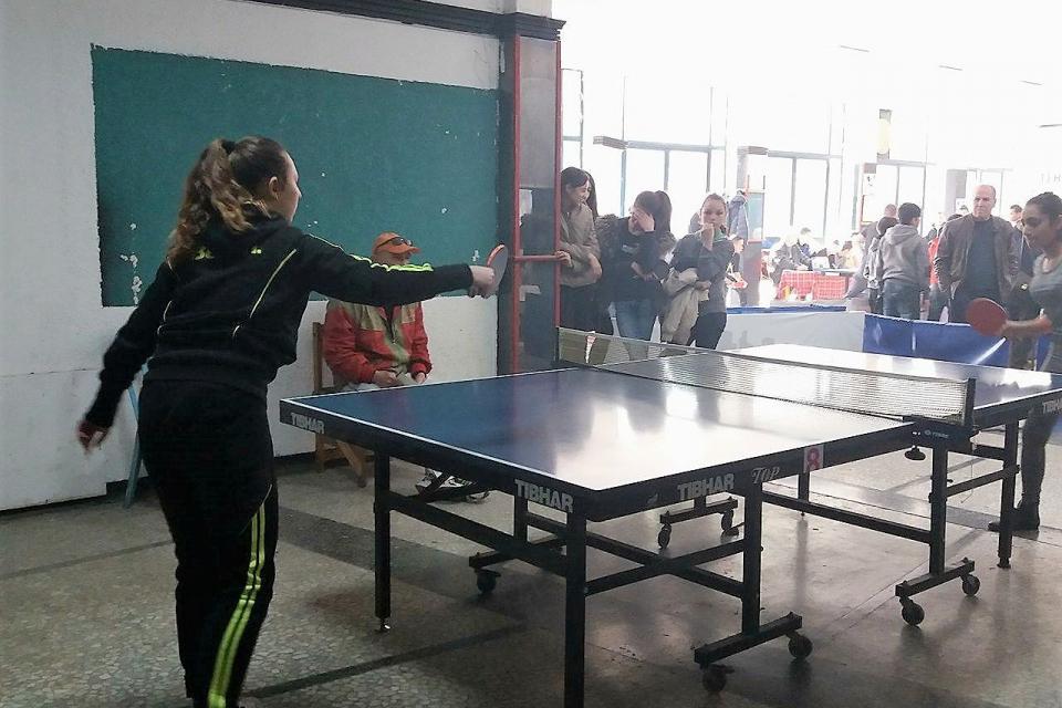 Днес в Ямбол започва турнирът по тенис на маса между общинските училища. Още сега обаче е ясно, че двата отбора на девойките, подали заявки за участие,...