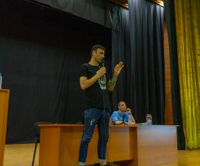 Димитър Бербатов посети Ямбол, срещна се с кмета и с представители на футболните клубове от областите Ямбол и Сливен