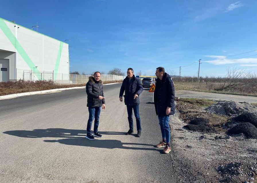 След посещението на министър-председателя Бойко Борисов в област Ямбол, оглед на място на конкретните предстоящи проекти, които стартират, направиха областният...