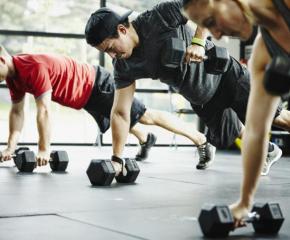 Днес фитнесите и моловете отварят