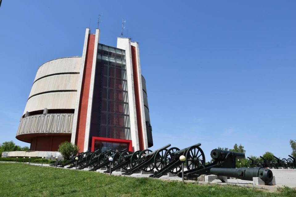 Плевенската панорама отваря от днес за посетителите при лятно работно време. Това съобщиха за БТА от Регионалния военноисторически музей в Плевен, който...