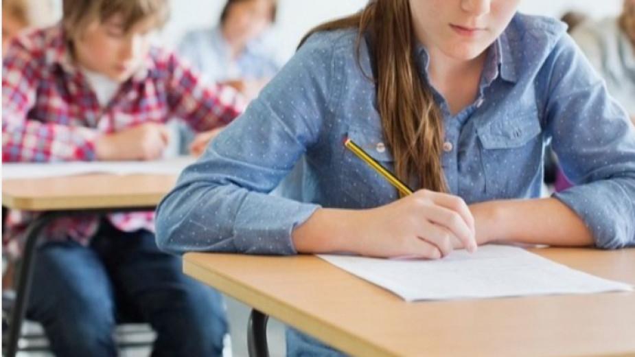 От днес до 7 юли седмокласниците и техните родители трябва да подават заявления за приема и класирането в гимназиите. Учениците могат да кандидатстват...