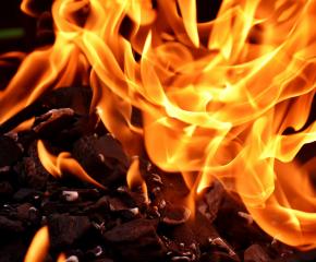 И днес ще продължи гасенето на пожара край Лесово