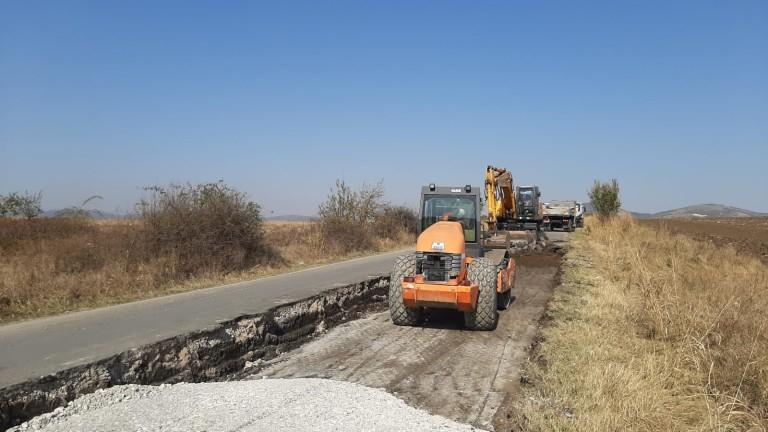Днес – 11 ноември, започва ремонтът на 11,5 км от пътя в участъка между Ямбол и Калчево, съобщава Делник. За да не се затруднява трафикът строителните...