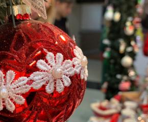 В Добрич пазят традицията за производство на стъклени играчки за елха
