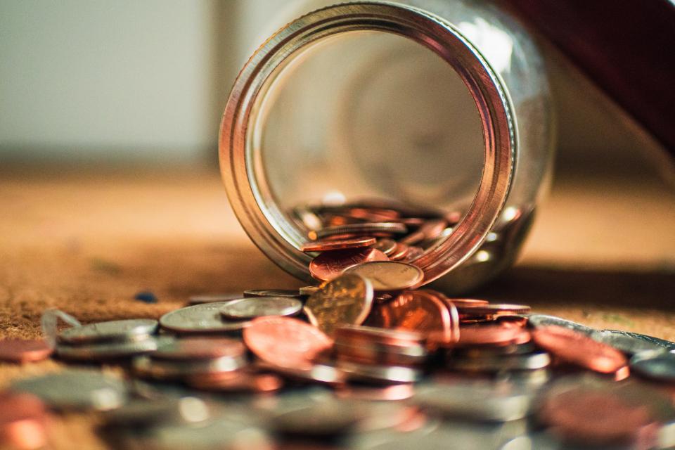 Пенсиите, отпуснати до 31-и декември 2020-а година, ще бъдат увеличени с 5 процента от 1 юли догодина. Още от 1 януари 2021-а минималната пенсия се увеличава...