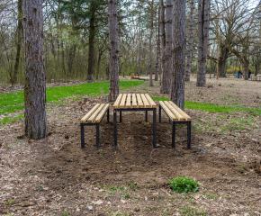Допълнителни маси и пейки са монтирани в местност Ормана