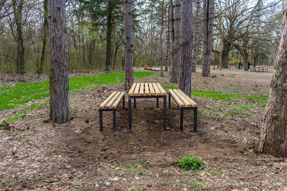 Зоната за отдих в Ормана е разширена след искане от страна на гражданите на Ямбол. Седем маси с четиринадесет дървени пейки към тях вече са монтирани...