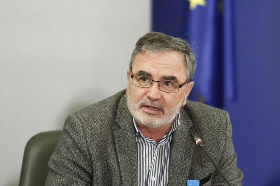 """""""Факт е, че България беше на първите места по смъртност от COVID-19 през последните дни. Това е нежелана позиция, а страната ни навлезе в най-тежката фаза..."""