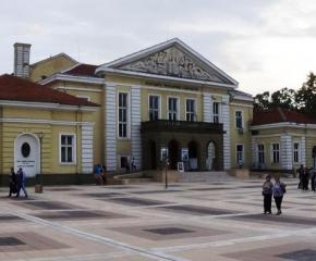 """Драматичен театър """"Невена Коканова"""" излиза с представление за Априлското въстание"""