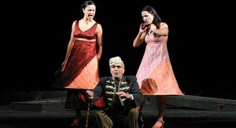 """През 2008 година е премиерата в Ямбол на пиесата на Добри Войников """"Криворазбраната цивилизация"""". Екипът на Драматичен театър """"Невена Коканова"""" се обръща..."""