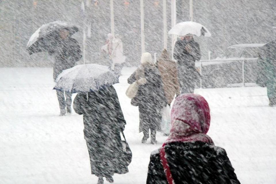 Драматична е Ситуацията в Старозагорска област след падналите снеговалежи и бурният вятър, предаде БГНЕС.20 сигнала за бедстващи хора са подадени на тел....