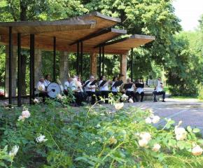 Духовият оркестър подновява безплатните концерти на открито в Ямбол