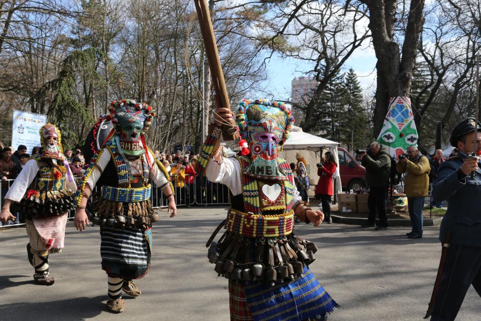 """Маскарадният фестивал """"Кукерландия"""" в Ямбол и селата от община """"Тунджа"""" ще се проведе за двадесет и втора поредна година от 12 до 14 март /петък – неделя/. В..."""