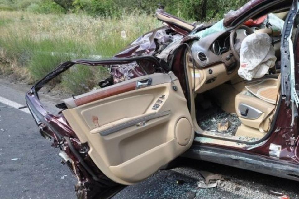 """На 08.10.т.г. около 07.58 ч. в района на км. 318 на автомагистрала """"Тракия"""" в посока Бургас възниква тежък пътен инцидент, при който лека кола, със старозагорска..."""