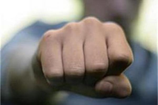Двама мъже са пострадали след сбиване в село Лозенец в област Бургас. Това съобщиха от ОДМВР - Бургас. На 18 юли т.г. около 19.20 часа в Районно управление...