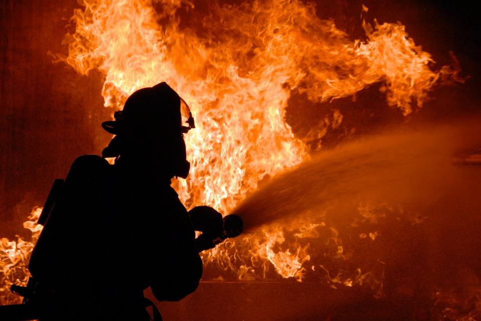 """Две деца са загинали при пожар в апартамент във варненския квартал """"Владислав Варненчик"""", потвърдиха за NOVA от МВР. Те са били момиче на 4 г. и момче..."""