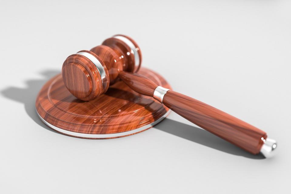 """По внесен обвинителен акт на Районна прокуратура – Ямбол бе наложено ефективно наказание от две години """"лишаване от свобода"""" спрямо мъж. Той е подсъдим..."""
