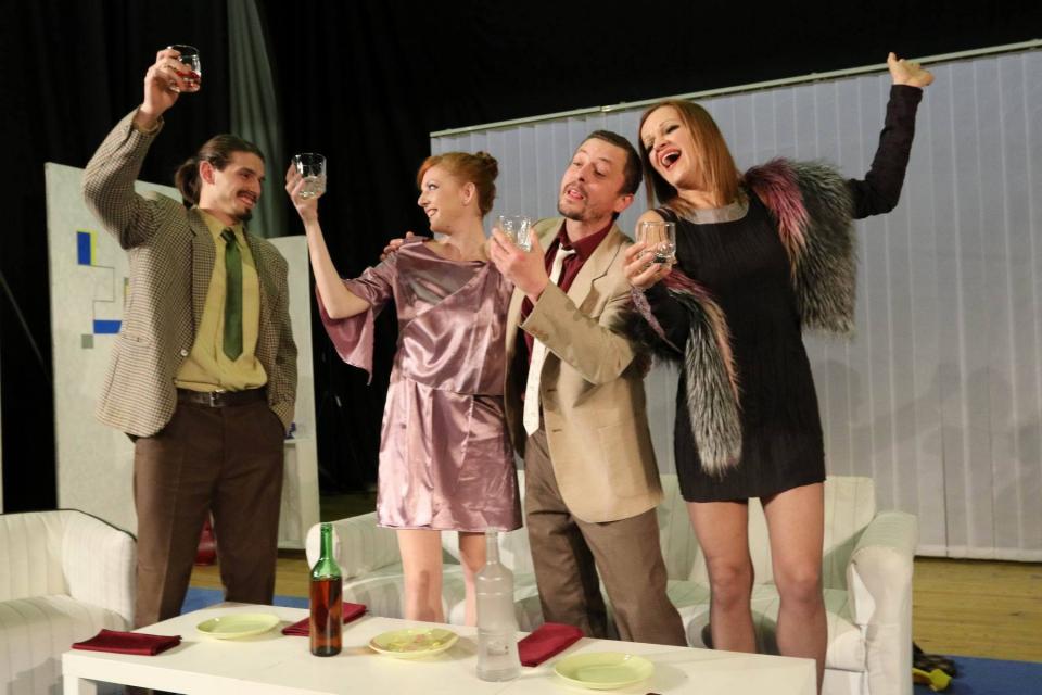 """Драматичен театър """"Невена Коканова"""" излезе с информация във фейсбук относно своята програма, в която предстои да бъдат изпълнени два спектакъла.  На 9..."""
