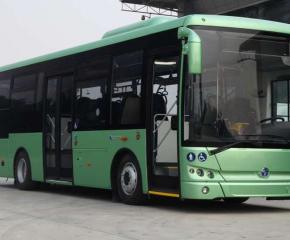 Две жени пострадаха след грешна маневра на водач на автобус от градския транспорт