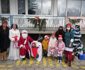 Дядо Коледа вече посети 500 деца от община Тунджа
