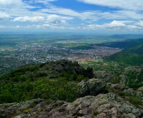 Екипи на Планинска спасителна служба са издирвали две момичета в планината край Сливен