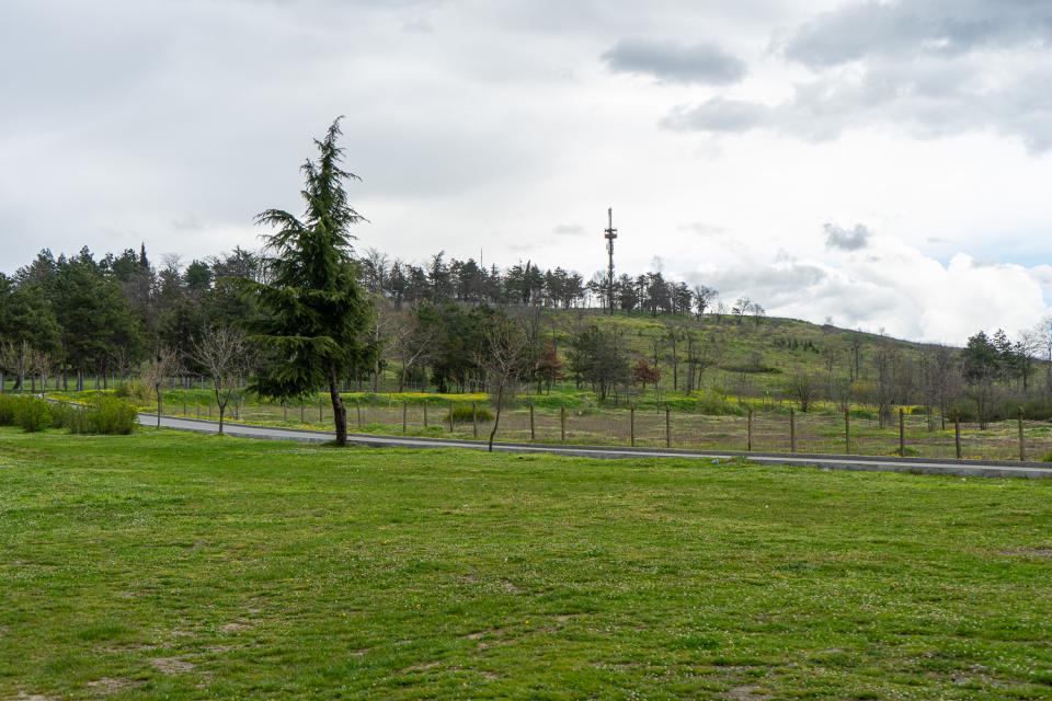 """ОП """"Паркове и зони за отдих и спорт"""", Фондация """"Тервелъ"""", Превантивно-информационен Център-Ямбол и ЯТТП – Ямбол организират пролетно почистване на парк..."""