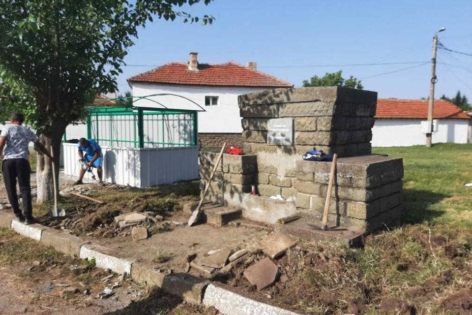 """Емблематичната """"Ловна чешма"""" в град Стралджа и пространството около нея скоро ще изглежда по много, много по-различен начин,написа във Фейсбук Гроздан..."""