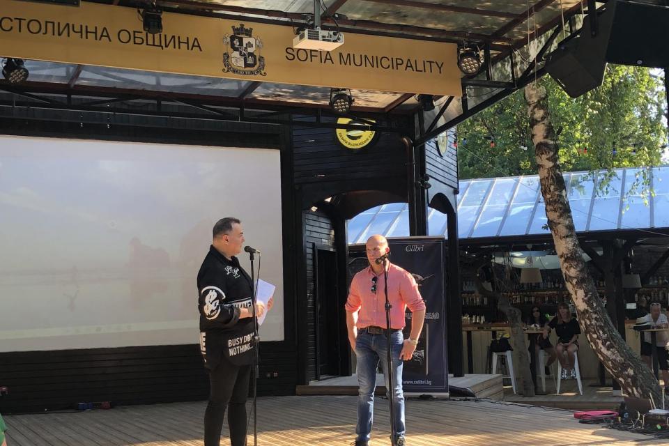 Биографията на най-добрият еквилибрист в света Енчо Керязов бе представена в София. Повече от 30 години той не слиза от сцената, а от 2019 г. е заместник-кмет...