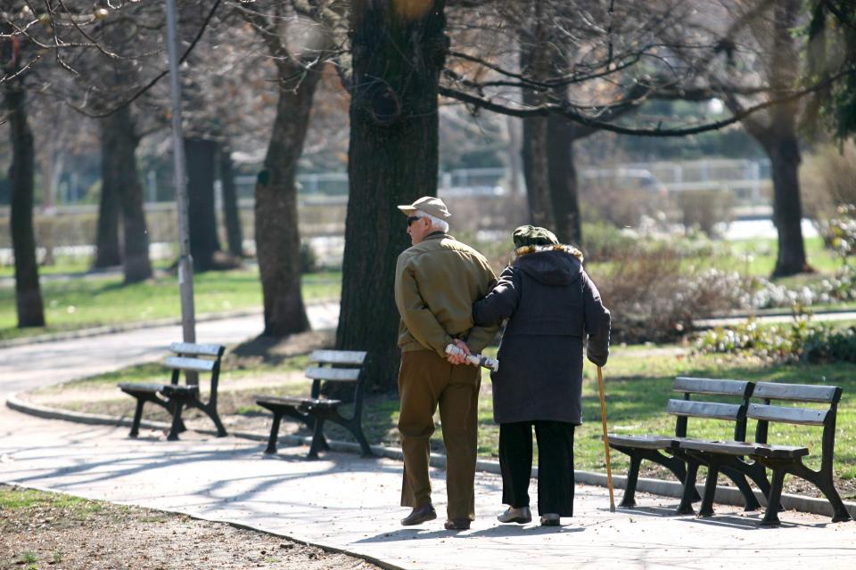 Социалното министерство ще представи днес предложения за законодателни промени, свързани с изплащането на т. нар. втори пенсии от частните пенсионни дружества....