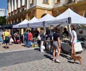 Фермерският пазар в Сливен подкрепя местното производство на качествена продукция