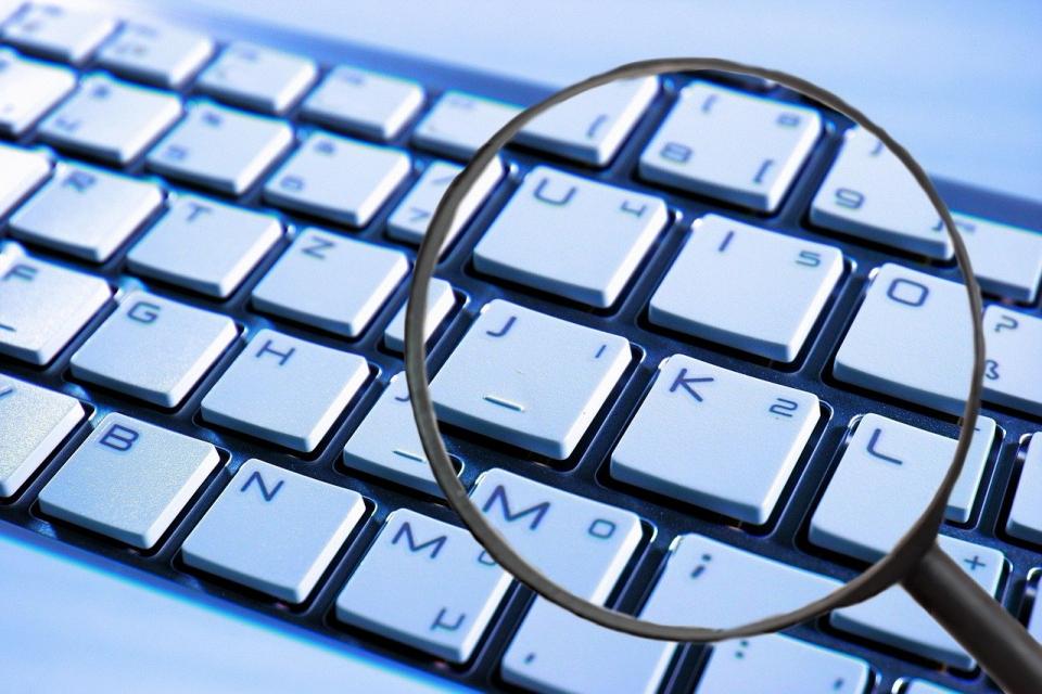 """Отдел """"Киберпрестъпност"""" на ГДБОП и служители на сектор БОП във Варна проведоха операция срещу разпространение на литературни произведения в интернет без..."""