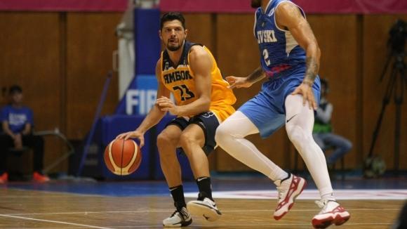 Баскетболистът Георги Сираков, който се раздели с отбора на Ямбол, подписа договор до края на сезона с италианския тим Малони Баскет Порто Сант Елпидио,...