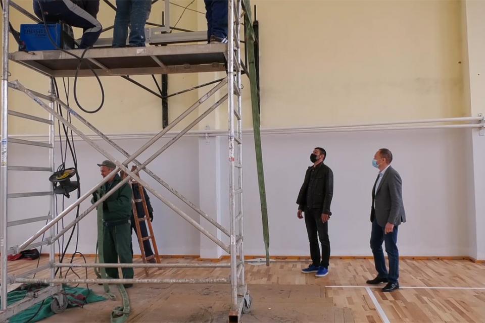 Приключва основният ремонт на волейболната зала и залата за борба на стадиона в Ямбол. С това един от ангажиментите не само на държавата, но и на спортния...