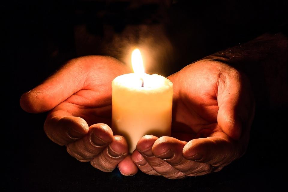 Днес отбелязваме Голяма задушница. Това е денят за възпоменаване на душите на починалите. В страната ще бъдат отслужени в църквите и заупокойна молитва. Близки...