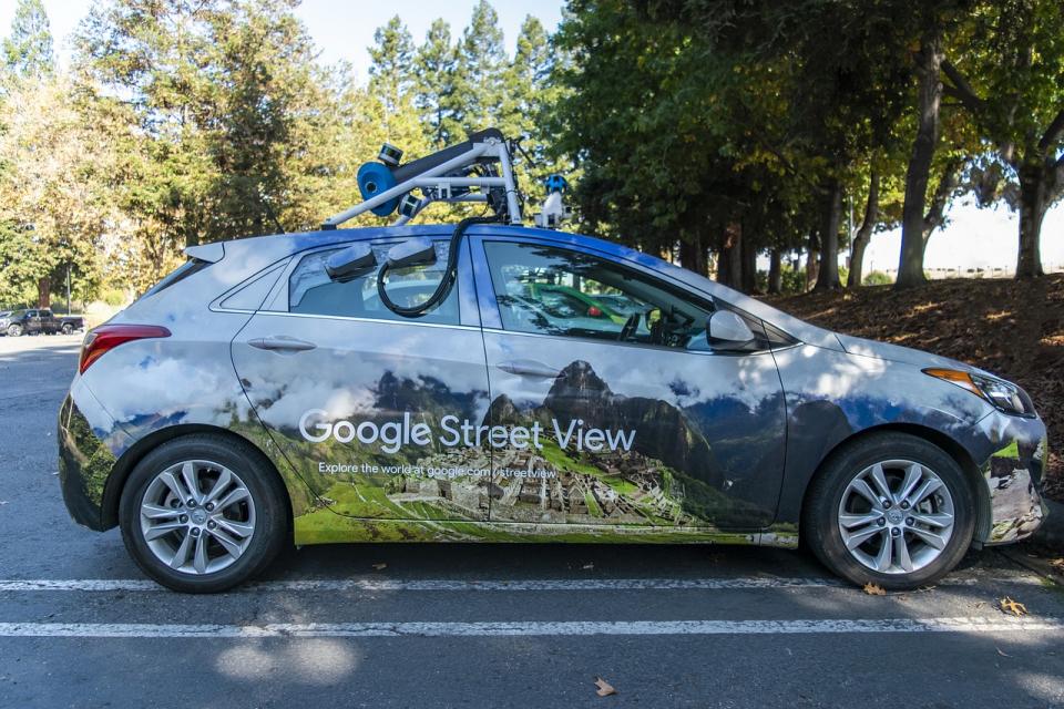 Автомобилите на Google Street View се завръщат по пътищата на България от днес. От март до октомври те планират да посетят Ямбол, Елхово, Карнобат, Шипка,...