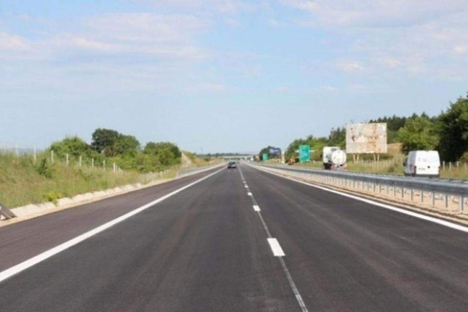 """Нов пътен възел предстои да бъде изграден на автомагистрала """"Тракия"""", в близост до град Стралджа. Отчуждаването на имотите е приключило, а проектът вече..."""