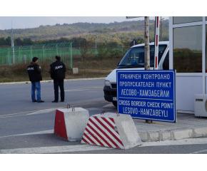 Границите все още затворени за леки автомобили