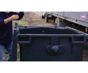 "Граждани почистиха паркинг на ул. ""Ямболен"" (видео)"